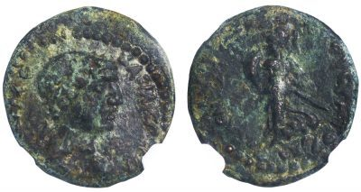 CLEOPATRA VII BRONZE AE17 - ISSUE OF CHALCIS STRUCK IN THE FINAL YEAR OF CLEOPATRA'S REIGN - CHOICE XF NGC GRADED GREEK PTOLEMAIC COIN (Inv. 12657)